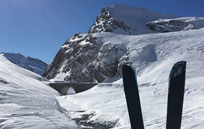 At Pro-Snowboarding we offer split boarding lessons in Val d'Isere